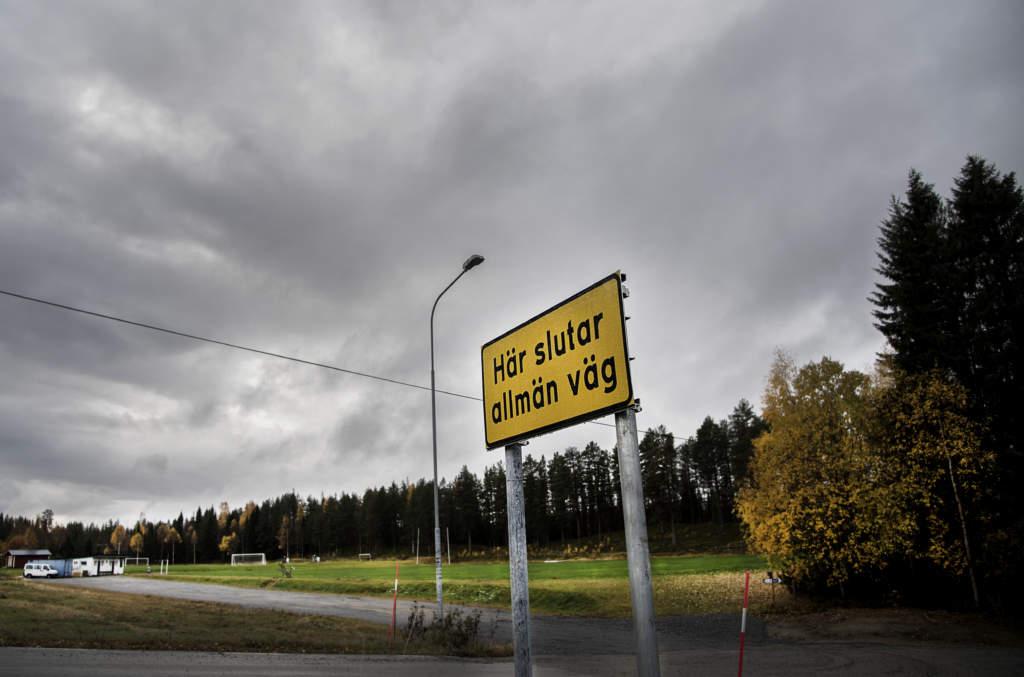 foto : all : foto:lasse allard  vi flyger till umeŒ, hyr bil och drar till bjurholm,  tv och stillbild pŒ tre orter i vŠsterbotten som skinnats pŒ massa pengar  de ska ha